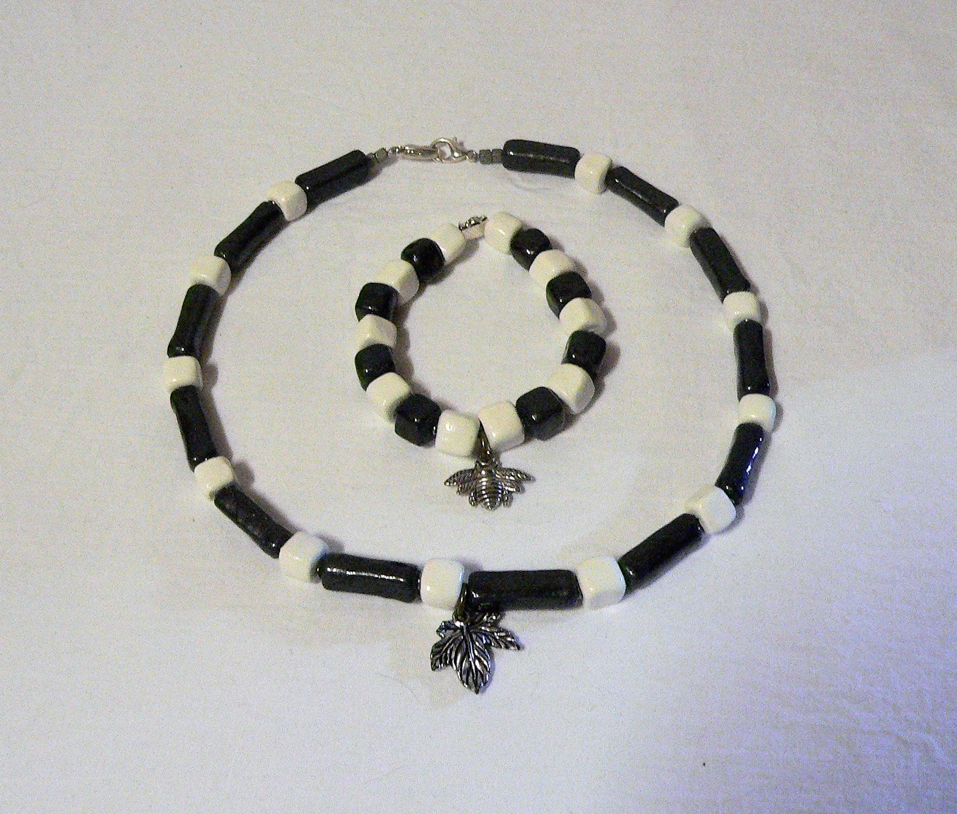 Ceramic choker and bracelet, white and black