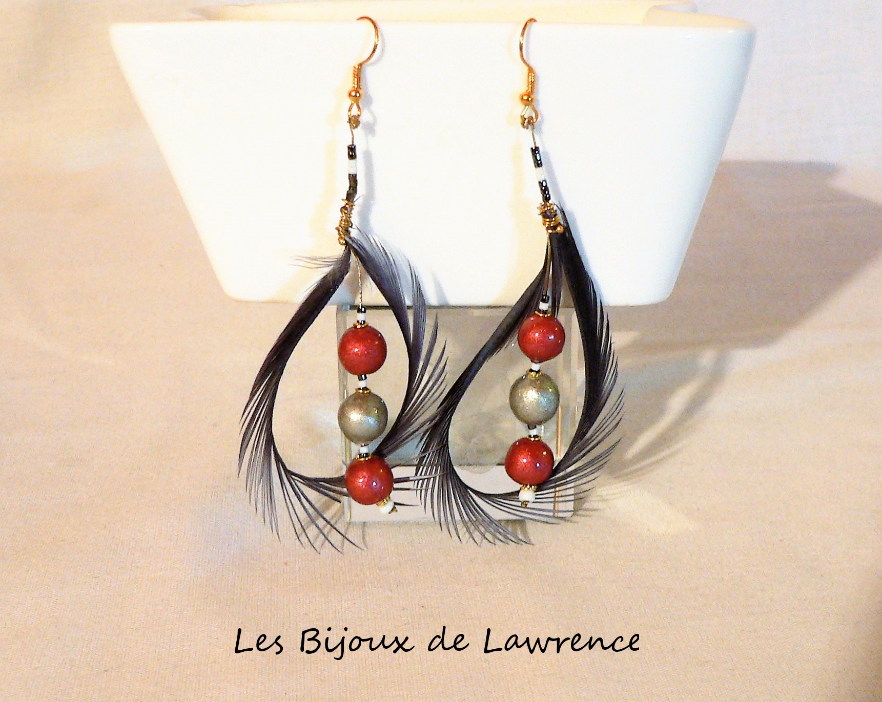 ceramic-earrings-range-feather-swan