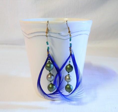 Boucles d'oreilles plume et céramique, couleur vert et argent