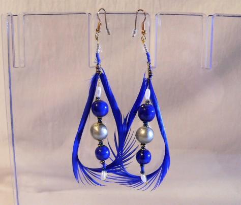 Boucles d'oreilles plume et céramique, couleur bleue et argent