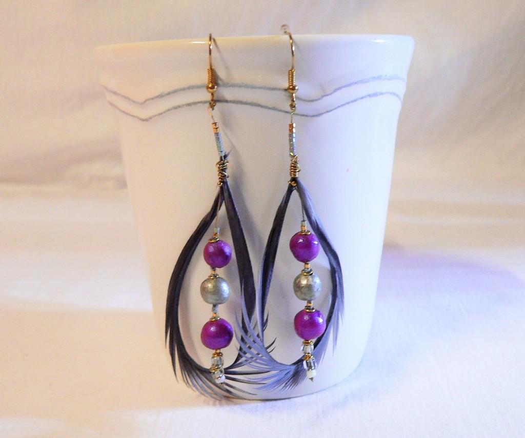 Boucles d'oreilles plume et céramique, couleur rose et argent